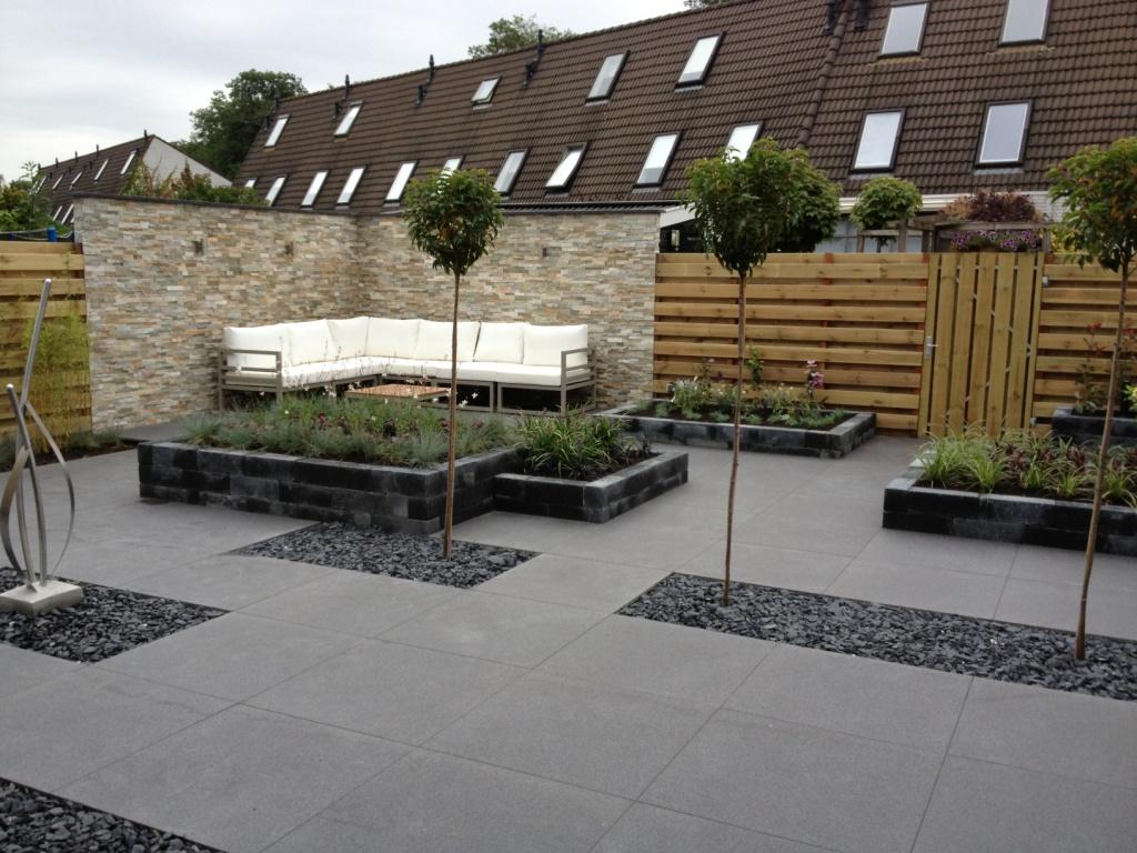 Bedwelming Strakke moderne tuin in Zwolle - Precisie Tuinen @LH99